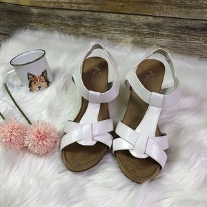 A2 By Aerosoles White Wedge Sandals